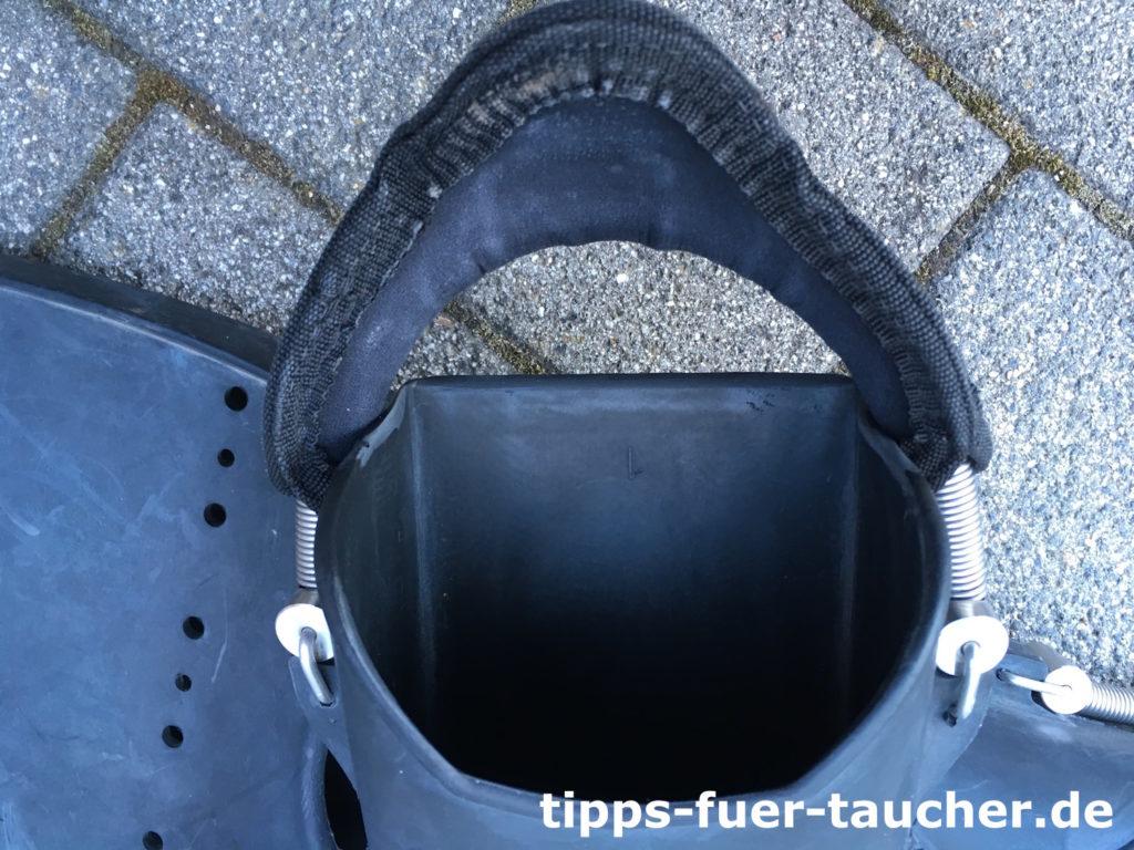 Neopren an der Ferse für einen besseren Tragekomfort der Geräteflosse