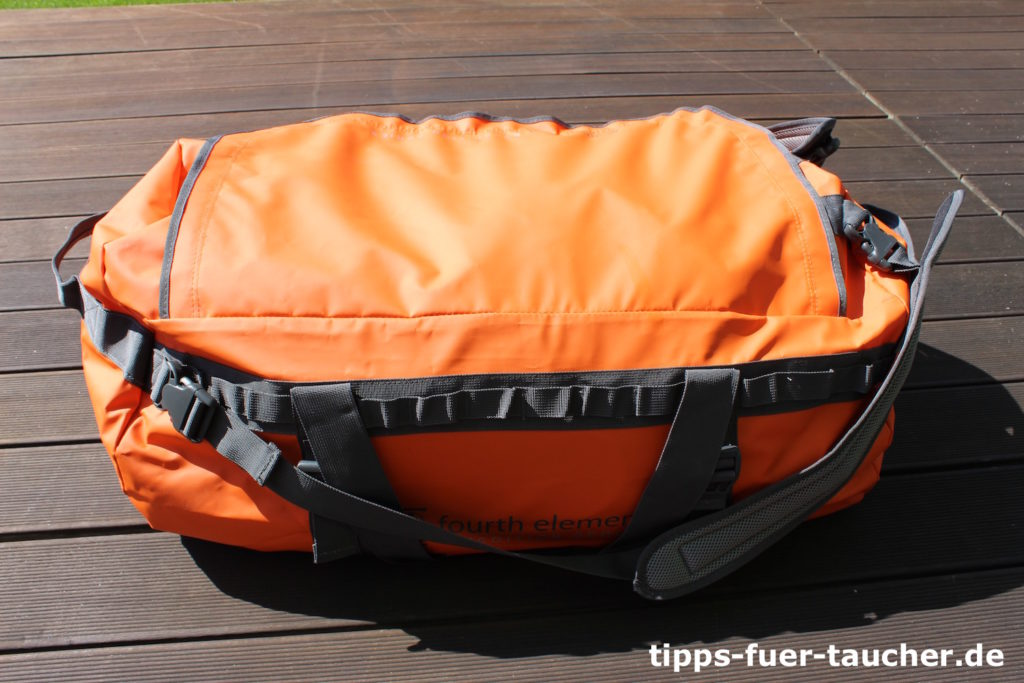 Fertig für den Tauchurlaub - der Fourth Element Duffle Bag 120l