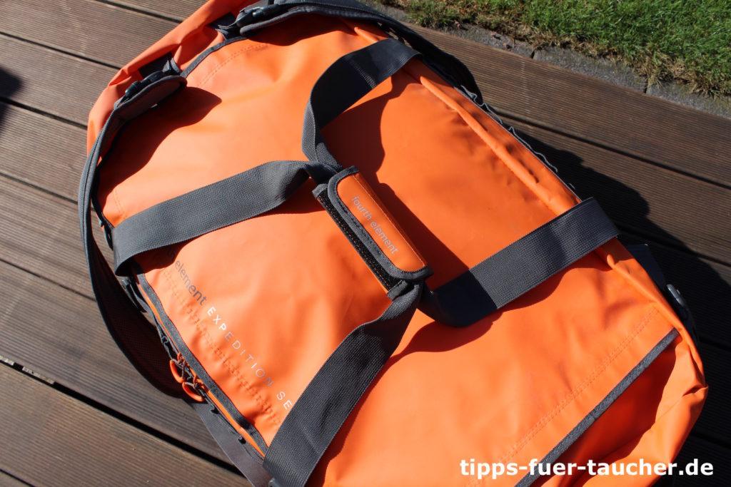 Duffle Bag mit zwei stabilen Tragegriffen